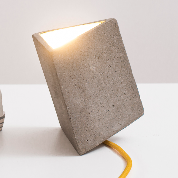 protos-concrete-table-lamp-mustard-cable-1