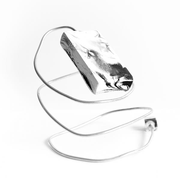symbiosis-plaster-black-white-accessory-tile-for-her-1