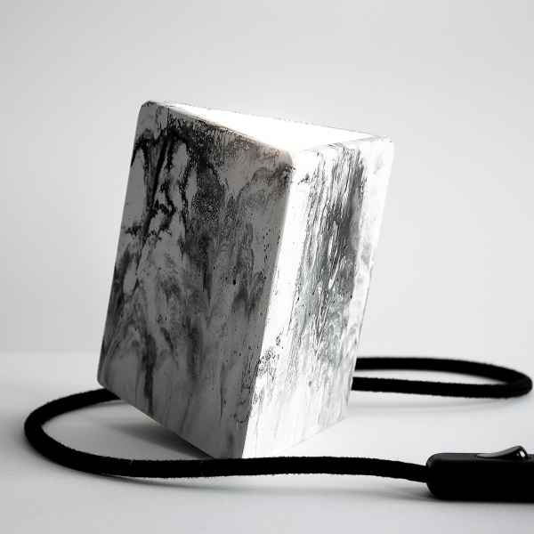 symbiosis-plaster-black-white-trialngle-table-lamp-3